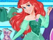 Princess Ariel in a clothing store game