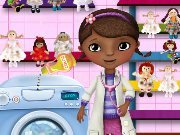 Doctor McStuffins washes the dolls